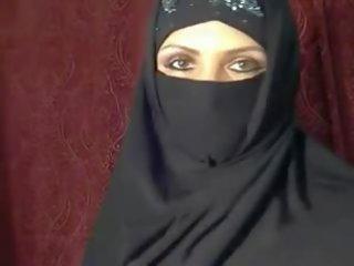 Arab Muslim girlfriend flashing on cam